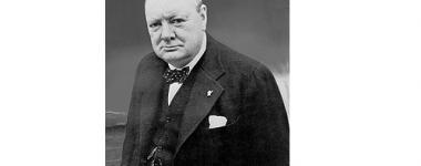 Photographie noir et blanc portrait trois quart de Winston Churchill