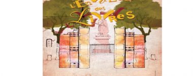 affiche de l'évènement, aquarelle présentant un portail fait de 6 livres ouvrant sur une sculpture monumentale, entouré de 2 arbres, dans un jardin public