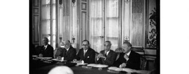 Photo du gouvernement Chautemps en 1937. Jean Zay est le 3ème en partant de la gauche.
